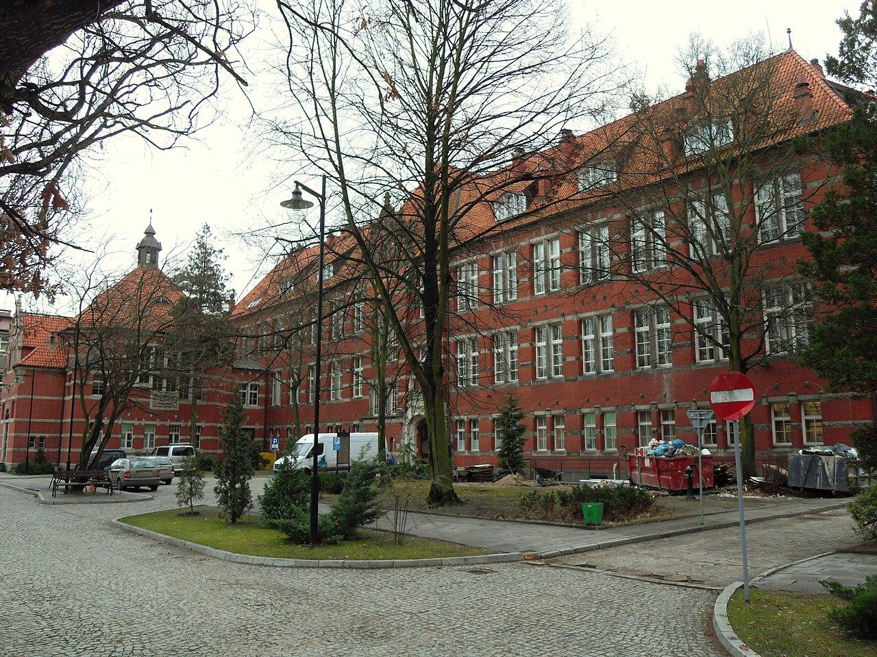 Laboratoryjno-dydaktyczny budynek