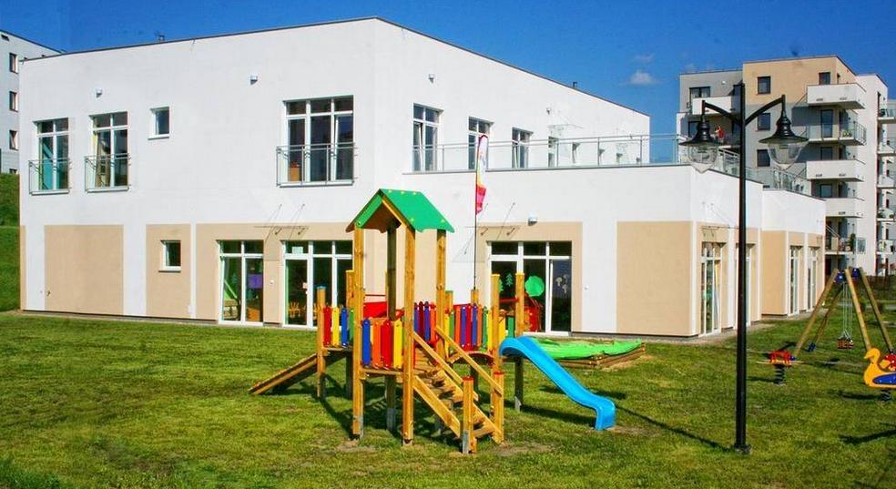 """Niepubliczne Przedszkole Artystyczne """"Fantazja-Jasień"""", ul. Jabłoniowa"""